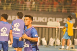 The Philippine football team subs.